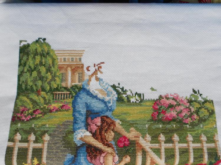 Вышивка девушка в саду panna